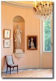 peach paint colorsHow To Work With Salmon Paint Shades Such As Apricot Peach and