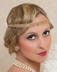 woman wearing 1920s makeup look