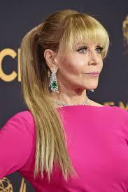 Emmys 2017: Jane Fonda\u0027s Backwards Red Carpet Jewelry and Bangs ...