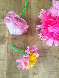i hesitated to post this diy because well it s not particularly original i imagine we ve all made paper flowers at some point at home or in school and