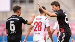 Erst ausgepfiffen, dann jubel bei der die bayern schlagen den starken 1. Bayern In Koln Fern Von Der Uberirdischen Normalform Sport Sz De