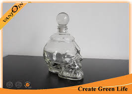 Decorative Liquor Bottles 60ml Empty Skull Shape Decorative Glass Bottles with Cork Glass 15