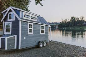 Tiny Luxe House on Wheels