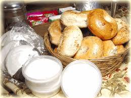 order ny bagels and bialys buns and custom gift baskets like this holiday gift basket