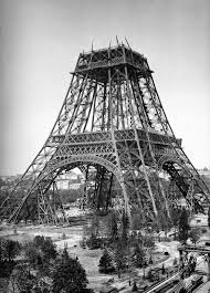 The eiffel tower was built in 1889 to celebrate the french revolution's centennial year during the exposition universelle at the champs de mars. Construction De La Tour Eiffel Paris Tour Eiffel Tour Eiffel La Tour Eiffel