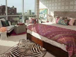 Sensual Bedroom Decor Designing The Bedroom As A Couple Hgtvs Decorating Design