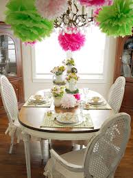 Decorations:Pinky Table Decoration With Red Stripe Table Cloth And Pack Of  Candy With Birthday