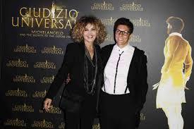 Eva Grimaldi: chi è, età, vita privata e carriera dell'attrice