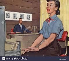 Mature from 30 to 50 secretaries