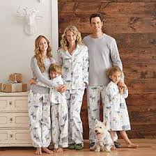 Family pajama sets. There\u0027s many different patterns for all kinds of nights but I think this would especially be cute Christmas morning. How adorable is this.