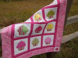 12 best Cupcakes images on Pinterest | Baby afghans, Baby blankets ... & Delicious Cupcake Quilt For a Light Cover or Wall by itsakris, $35.00 Adamdwight.com