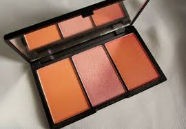 sleek makeup lace blush by 3 14 99 for 0 20gm available at sleekmakeup