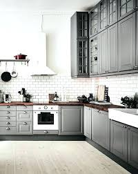 kitchens with white cabinets and backsplashes. Backsplash For White Kitchen Cabinets Gray And Modern Shaker Kitchens With Backsplashes O