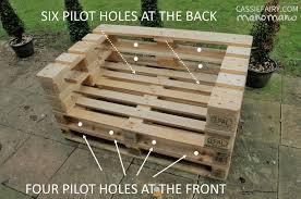 do it yourself pallet furniture. DIY Pallet Chair Do It Yourself Furniture Pallets Easy Outdoors Garden Handy Mano Manomano C