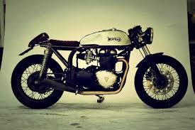 triton featherbed 865 cafe racer