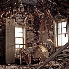 grapher captures eerie photos of abandoned homes across the U S