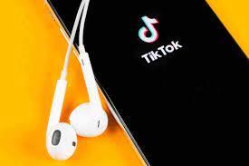 TikTok down: per centinaia di utenti ...