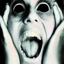 La mujer sonriente del metro,... - Cortos De Terror