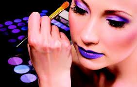 bee a makeup artist