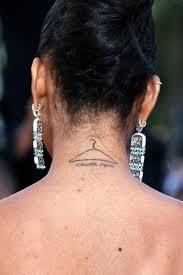 странные татуировки звезд что они хотели этим сказать Udubacom
