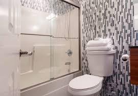 Fliesen Dusche Und Badewanne Für Kleine Badezimmer Makeover
