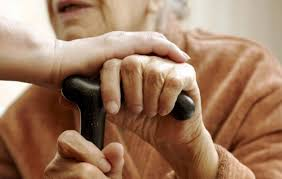 Resultado de imagem para imagem cuidador de idoso