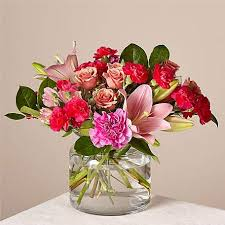 If you're unsure what type of flower to get your valentine, consider a valentine's day bouquet in many different colors like red, purple, yellow, white and orange blooms. Same Day Valentines Gift Flower Delivery 2021 Proflowers