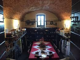 Soffitto A Volta : La cantina dei vini ricavata in un tipico ambiente seminterrato