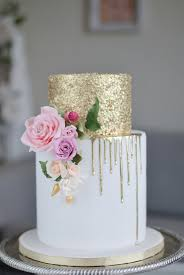 28 Gorgeous Wedding Cakes From Irish Cake Makers Weddingsonline