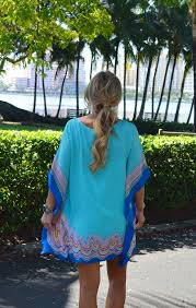 Lilly Pulitzer Lindamarie Caftan worn by @happilygrey   Colorful summer  dresses, Bright outfits, Summer dresses for women