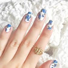 Blue Flower Nail Designs Blue Floral Manicure Followthatway She Does Gorgeous