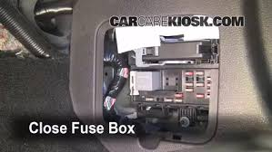 2005 ford mustang fuse box change your idea wiring diagram interior fuse box location 2005 2009 ford mustang 2006 ford rh carcarekiosk com 2005 ford mustang fuse box diagram 2004 ford mustang fuse box diagrams