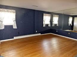 floor to ceiling mirror in the bedroom
