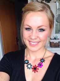Augenbrauen und Wimpern mit Henna färben