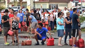 Sin combustible. Sin comida. Sin luz. Los puertorriqueños temen por su futuro