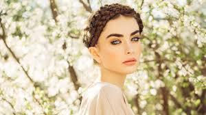 15 Hairstyles For Fine Hair Loréal Paris