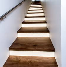 Under stairs lighting Led Strip Wren House Staircase Photo By Steven Begleiter 1000bulbscom Blog How To Install Under Stair Lighting 1000bulbscom Blog