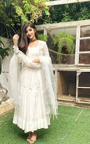 White Designer Outfits Pintrest Dixna Deol Indian Fashion Trends Indian Fashion