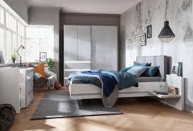 Das Schlafzimmer Bietet Viel Raum Für Sinnlichkeit Und Entspannung