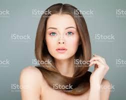 長い髪の女性はかわいいモデルスパ健康的な髪型の女の子ビューティー
