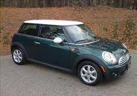 Mini Cooper British Racing Green With White Mirrors Top Let S Motor British Racing Green Mini Cooper Black Mini Cooper