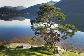 2 Bedroom Luxurious Treehouse In Scotland Highlands UllapoolTreehouse Scotland