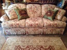 Image Ottoman Claytonmarcussofacouchfloralvintagestyle Pinterest Claytonmarcussofacouchfloralvintagestyle Living Room Ideas