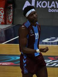 File:Chris Obekpa 21 Trabzonspor Basket TSL 20180407 (3).jpg - Wikimedia  Commons