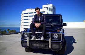 Kris jenner is the celebrity mom to the kardashian reality tv starlets. 5 Celebrities Who Own Mercedes Benz G Class Suvs The News Wheel