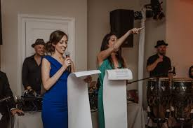 The Perfect Maid of Honor Speech: Tips and Sample Toasts | APW