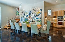 10 dining rooms with oversized art