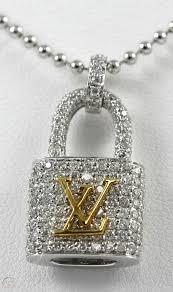 diamond lock pendant 18k wg with 1 25ct