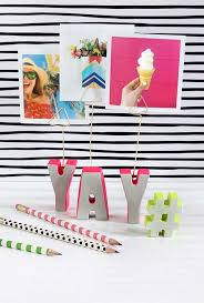 best diy picture frames and photo frame ideas cement letter photo holder how to