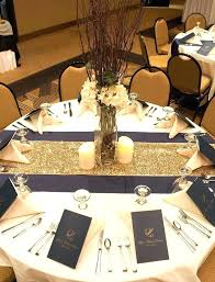Round Table Settings For Weddings I Like The Candles Centerpiece But Table Setting Linens
